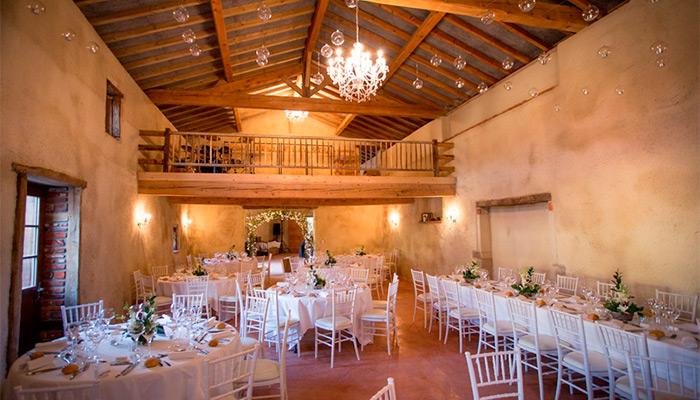 Salle de mariage au Domaine du Colombier